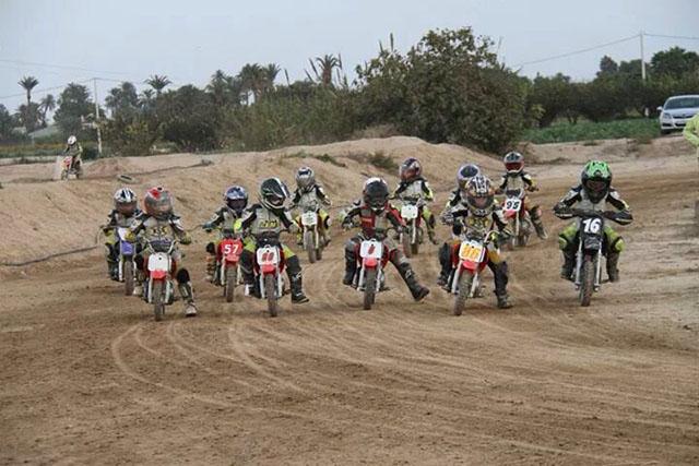 Fantástico día de tierra y polvo durante el primer Dirt Track LEM